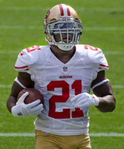 Frank Gore playing running back for the San Francisco 49ers