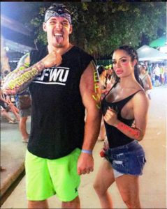 NFL Player Derek Wolfe and his wife working out together due to the Coronavirus